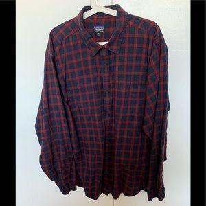 Nice Patagonia long-sleeve organic cotton shirt